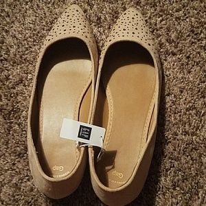 Women's size 9 GAP flats *BRAND NEW WITH TAGS* $10